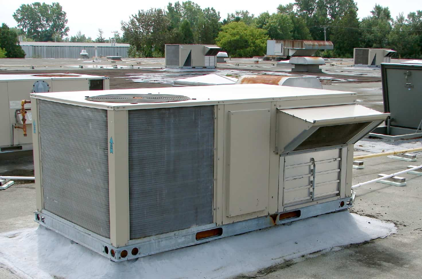commercial air conditioning ac systems dhl mechanical calgary alberta. Black Bedroom Furniture Sets. Home Design Ideas